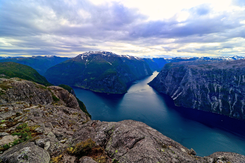 Kalvsnesnosi – der Nærøyfjorden og Aurlandsfjorden møtes