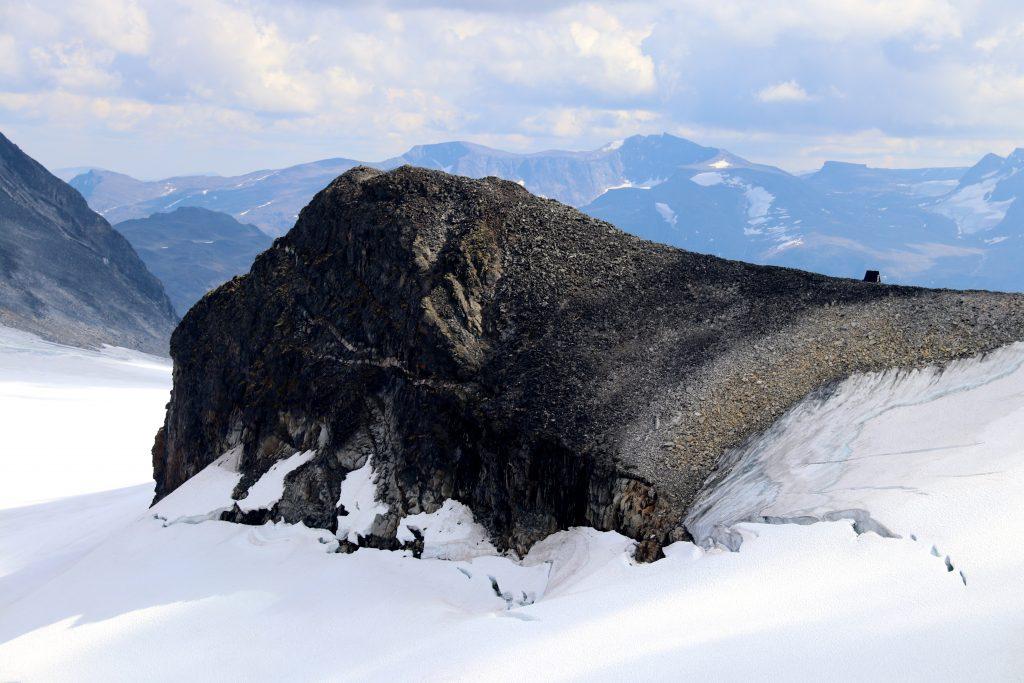 Søre Hellstugubreahesten (2.111 moh) er enkel å bestige fra Hellstugubrean.