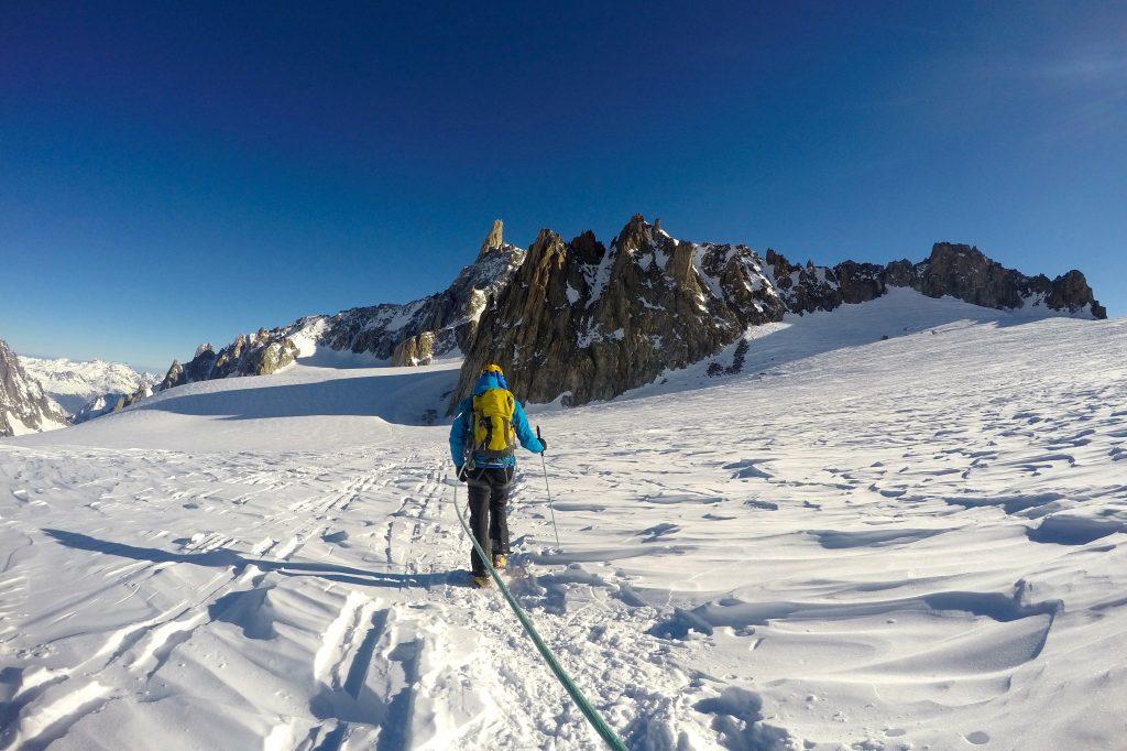 På vei over breen Glacier du Géant mot Aiguilles Marbrées.