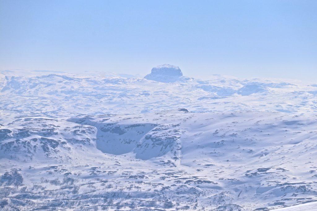 Fra Onen ser en inn på den vestlige delen av Hardangervidda. Her med Hårteigen.