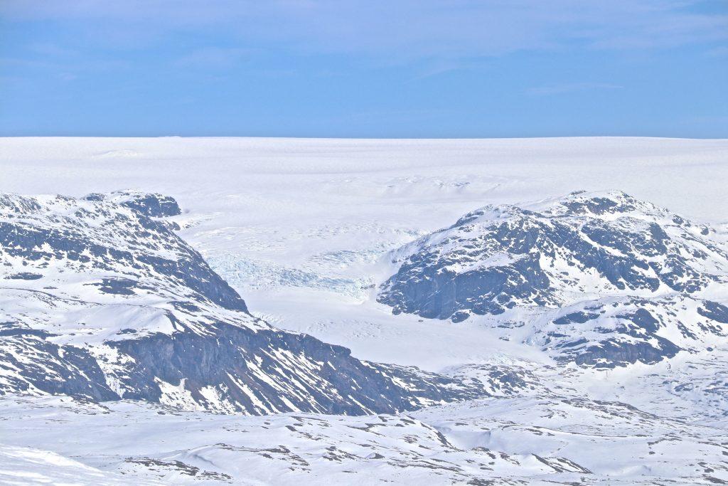 Det er flott utsikt mot brearmen Rembesdalskåka fra Onen.