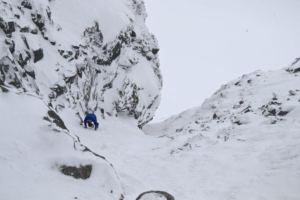 Klyving opp rennen mot toppen av Sokse.