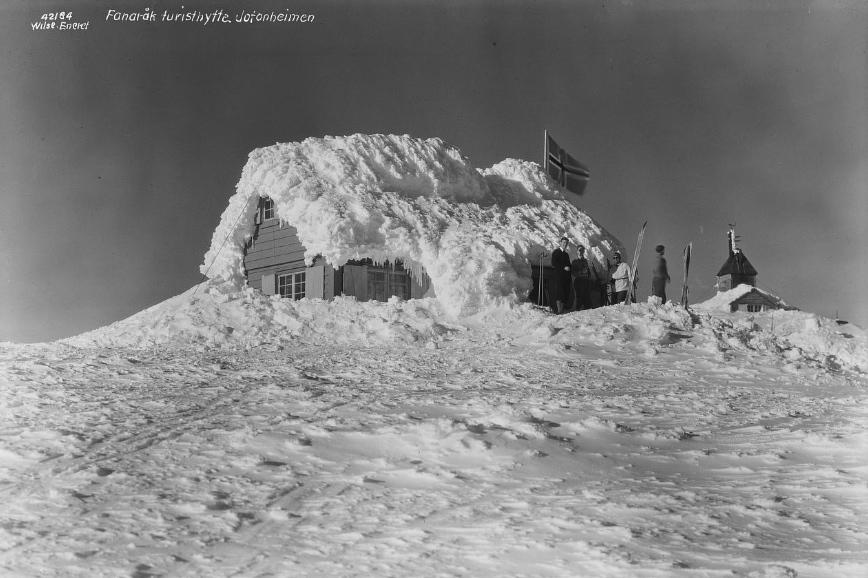 Fanaråken turisthytte 1935. Foto: Wilse, Anders Beer - Norsk Folkemuseum