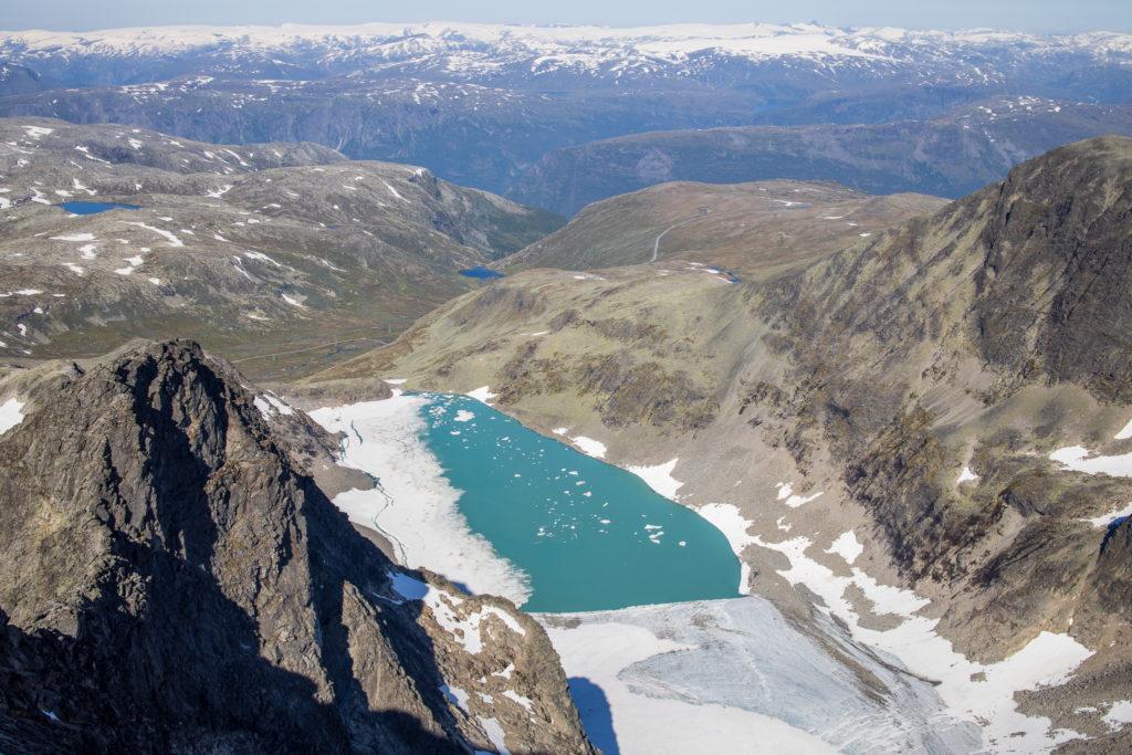 Berdalsbreen sett fra toppen av Store Austanbottstind.