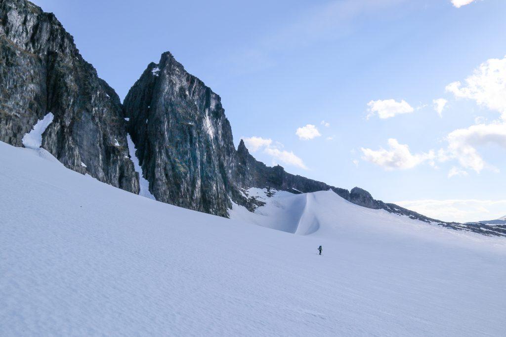 I storslagne omgivelser under Tindefjell (1.776 moh) på Breruta.