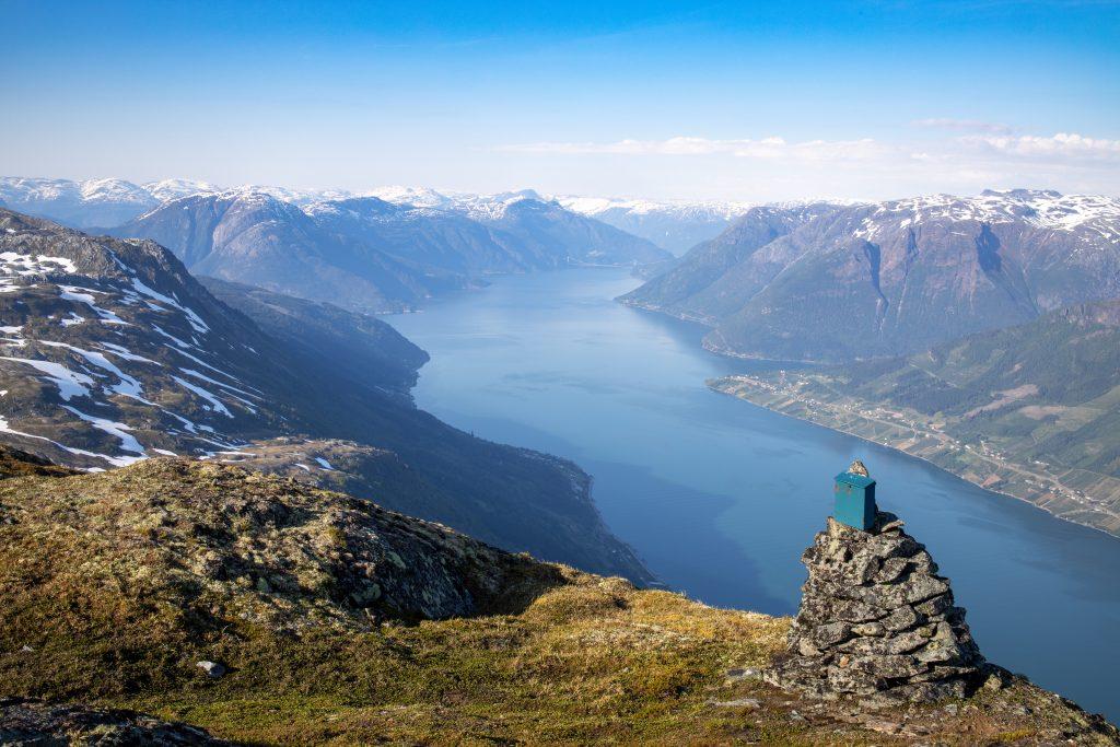 Rundenuten (1.256 moh) er et flott utsiktspunkt, særlig ut mot Eidfjord.